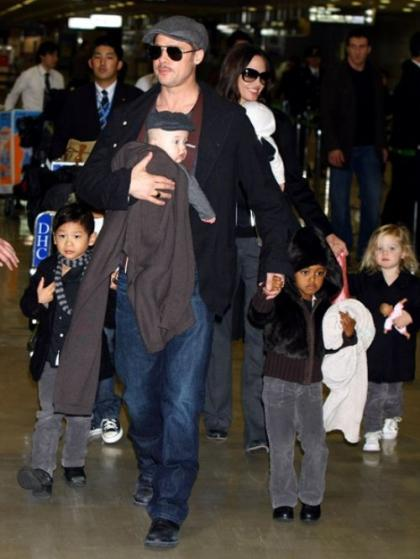 The Brangelina Clan is 2 much cuteness 4 a 2sday!!!
