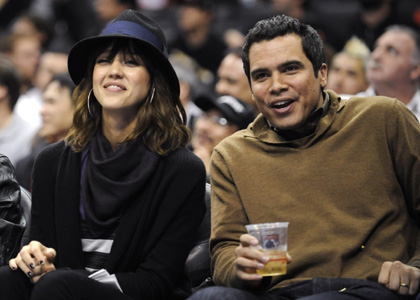 Jessica Alba and Cash Warren Cheer on the Clippers