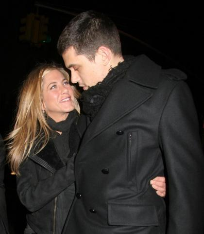 'source?: John Mayer wrote Jennifer Aniston a song for her birthday