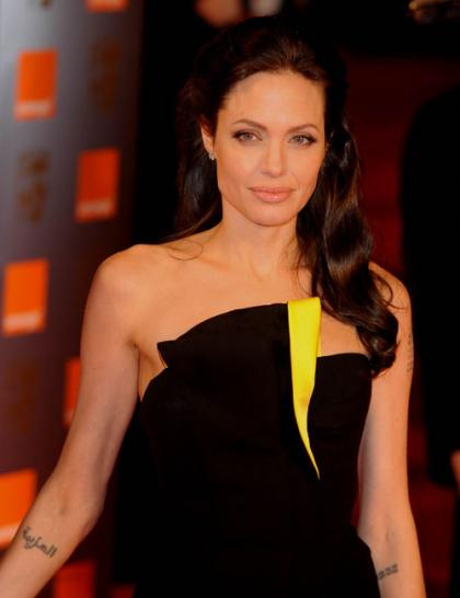 Thai official criticizes Angelina Jolie for her refugee camp visit and statements