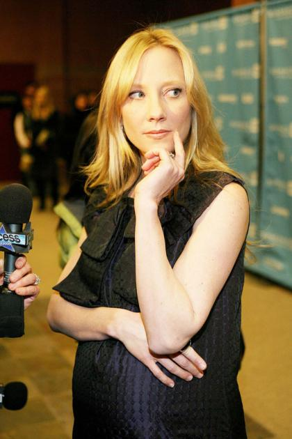 Anne Heche pays over 1/2 million in divorce settlement