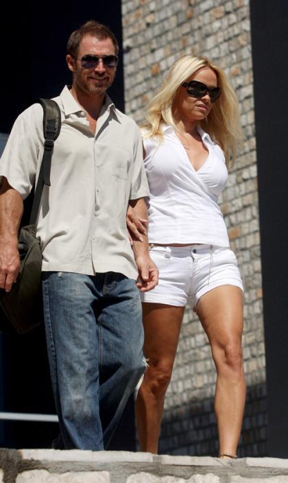 Pamela Anderson Flies Into Budva with Her Beau
