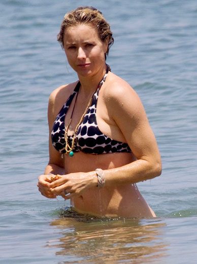 Tea Leoni Bikini Pictures