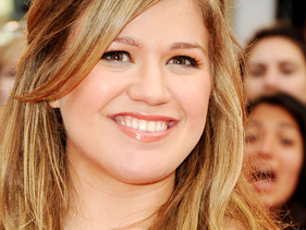 Kelly Clarkson, Miley Cyrus Bring Back VH1 Divas