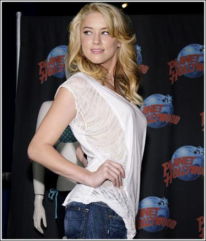 Amber Heard Looking All Kinds Of Hot