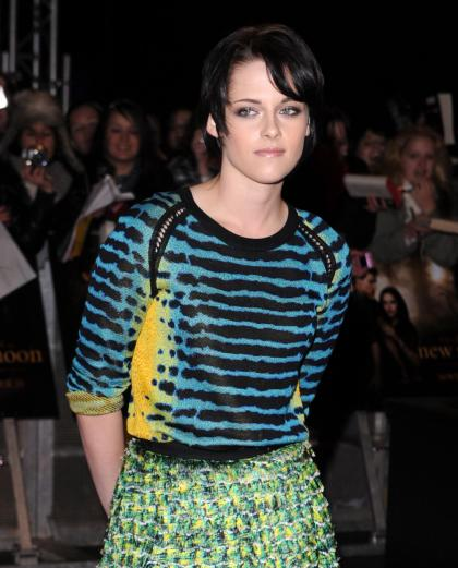 Kristen Stewart's sad face and fug dress at the London New Moon premiere
