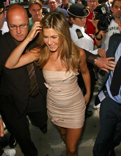 Jennifer Aniston's Sweet Smelling Cleavage