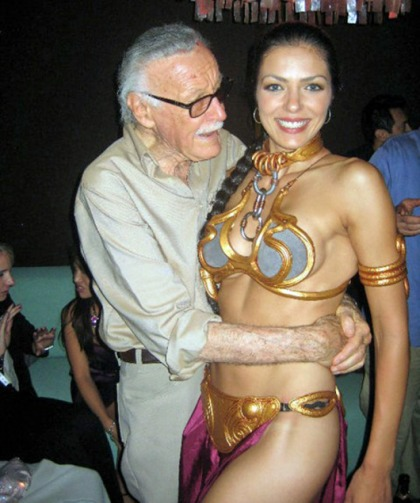 S.S. Adrianne 'slave Leia' Curry Molested at Star Wars Expo