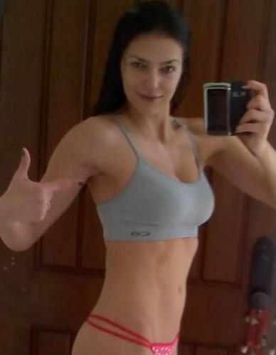 Adrianne Curry Exposes Her Tight Body