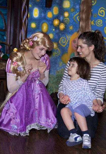 Amanda Peet's Disneyland Daughter Date