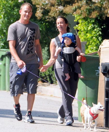 Alanis Morissette & SoulEye take out their 7-month-old Soul-baby, Ever