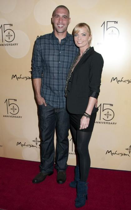 Jaime Pressly Takes Her New Man to Mohegan Sun