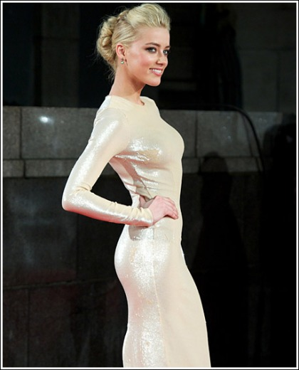 Amber Heard's Ultra Skin-Tight Dress Leaves Very Little To The Imagination' Wowzers!