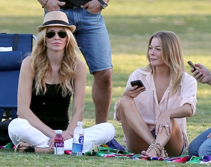 LeAnn Rimes & Brandi Glanville sit together during a kids' soccer game: shocking'
