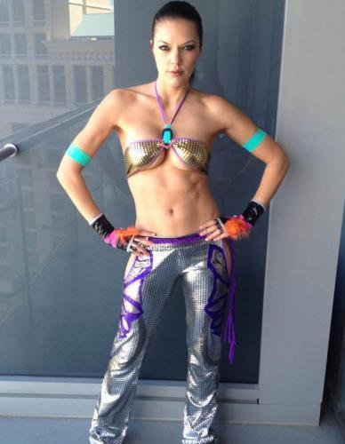 Adrianne Curry's Breasts Belong On Twitter