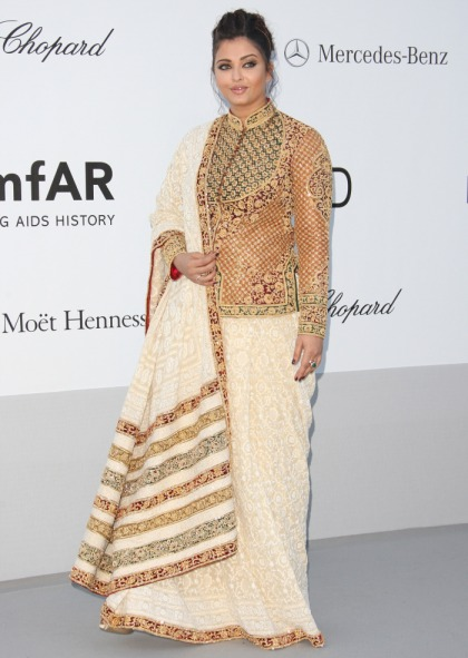 Aishwarya Rai covers up her criticized figure at Cannes amfAR gala: still gorgeous?