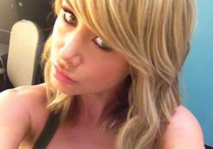 Sara Jean Underwood's Sexy Duck Face