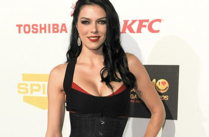 Just In! Adrianne Curry Takes A Break From Twitter