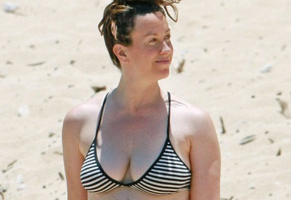 Alanis Morissette Bikini Pictures
