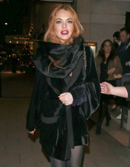 Lindsay Lohan 'begging'   Betty Ford to release her in time to celebrate her b-day