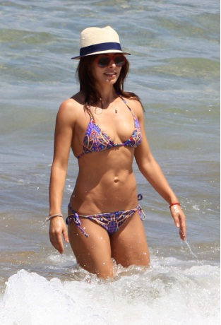 Sarah Shahi Incredible Bikini Family Vacation in Hawaii