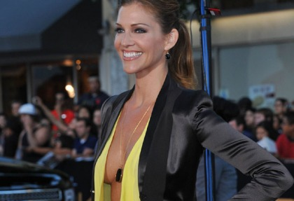 Tricia Helfer Really Knows How To Dress