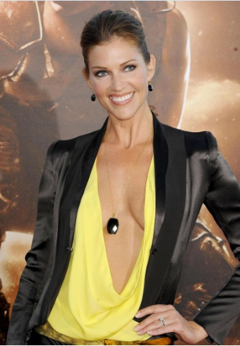 Tricia Helfer Shows Side-boob at Riddick Premier in Westwood