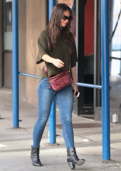 Katie Holmes' skinny jeans, boots & Derek Lam purse: great look or very unflattering'
