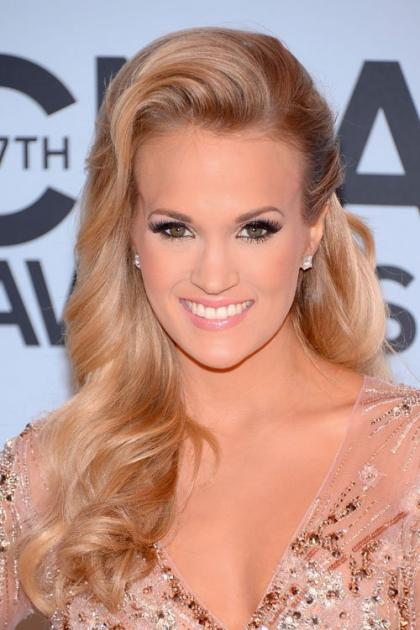 Carrie Underwood Hits the Red Carpet Before the Stage for the 2013 CMA Awards