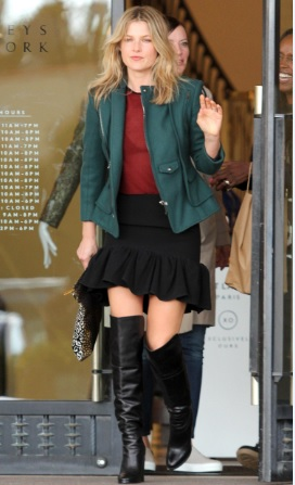 Ali Larter Great Look at Barneys New York in LA