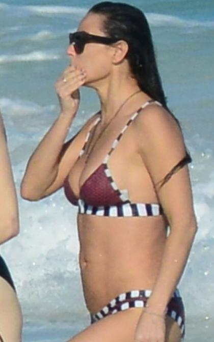 Demi Moore Gets Affectionate with New Beau in Mexico