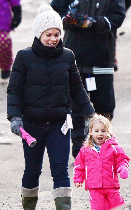 Pink and Willow Start 2014 with a Romp in the Snow