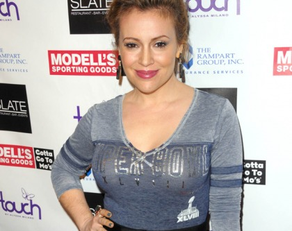 Alyssa Milano's Super Sweater Mounds