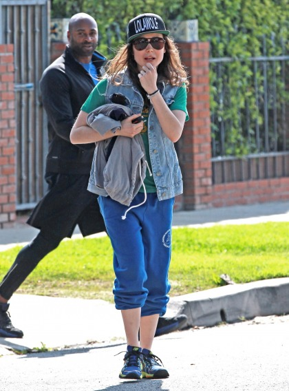 Ellen Page steps out in LA after 'coming out?: did she receive any backlash'
