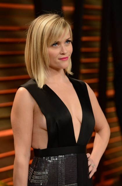 Reese Witherspoon in revealing Hugo Boss at the VF Oscar Party: too much or perfect?