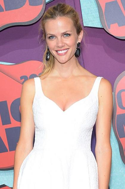 Brooklyn Decker: Stylish Gal at 2014 CMT Awards