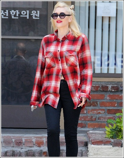 Gwen Stefani Shows Off Her Already Awesome Post-Pregnancy Body