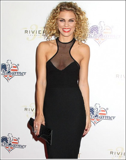 AnnaLynne McCord Drops Some Sexy Cleavage And Curves