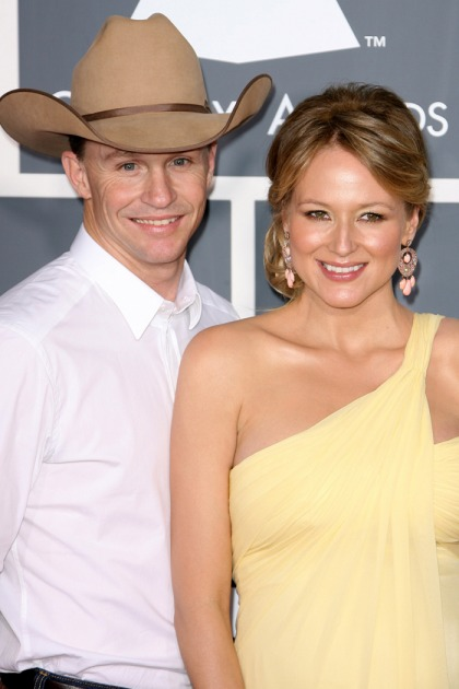 Jewel & Ty Murray end marriage, will 'recreate ourselves in the ashes'