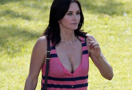 Courteney Cox's Sexy Cougar Cleavage