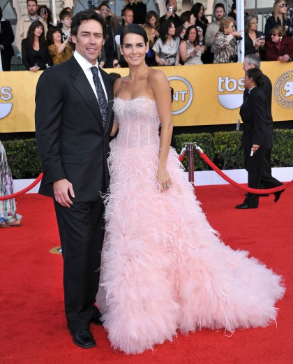 Angie Harmon & Jason Sehorn split after 3 kids & 13 years of marriage