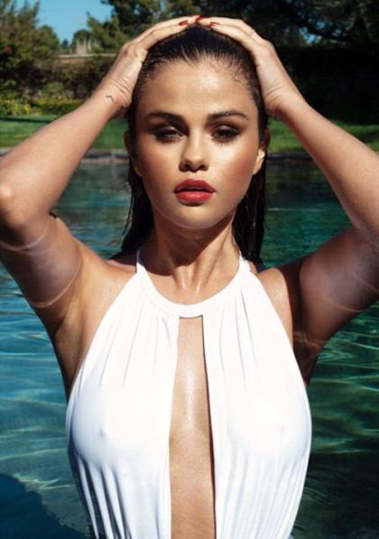Selena Gomez Turns Up the Sexy in Instagram Bathing Suit Snapshot