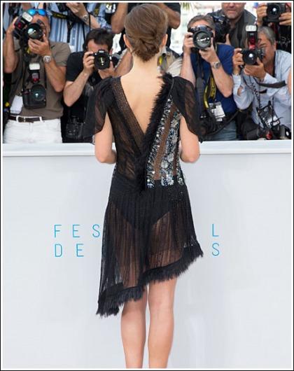 Natalie Portman Flashes Her Sexy Booty Cheeks!