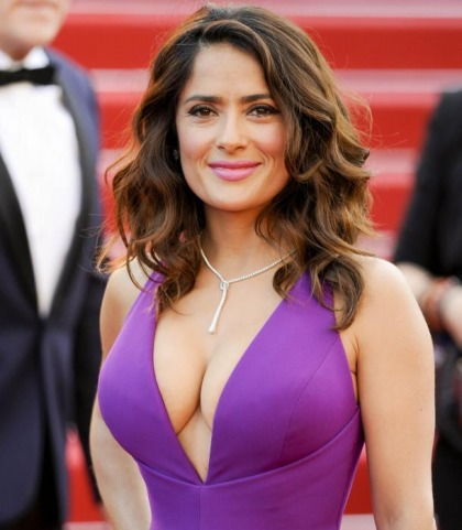 Salma Hayek's Cleavage Show Is Amazing