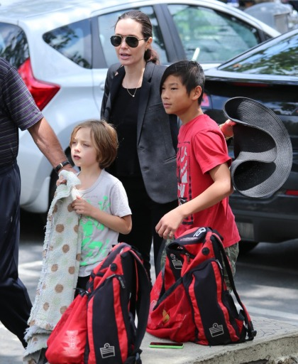 Angelina Jolie brought Pax & Knox to Shiloh's LA soccer game: super cute'