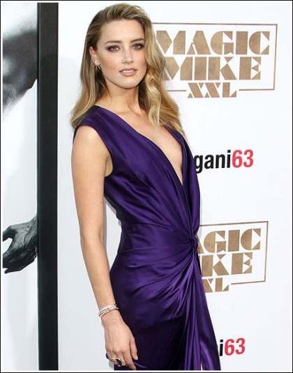 Amber Heard Rocks The Braless Cleavage For The 'Magic Mike XXL' Premiere