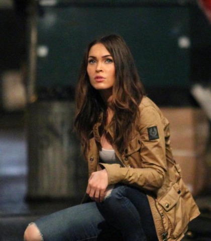 Megan Fox Looks Bored, Boring
