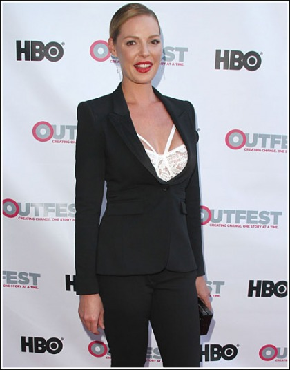 Katherine Heigl Puts On A Sexy Cleavage Show