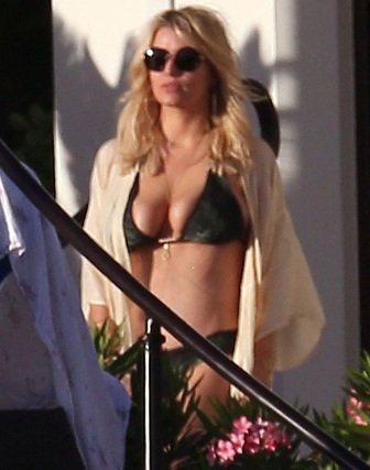 Jessica Simpson Rocking Bikini Body at Cabo San Lucas