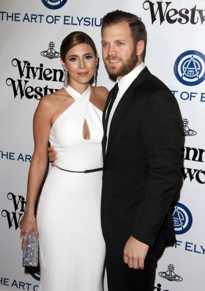 Jamie Lynn Sigler has had MS for 15 years: 'When I walk, I think about every step'